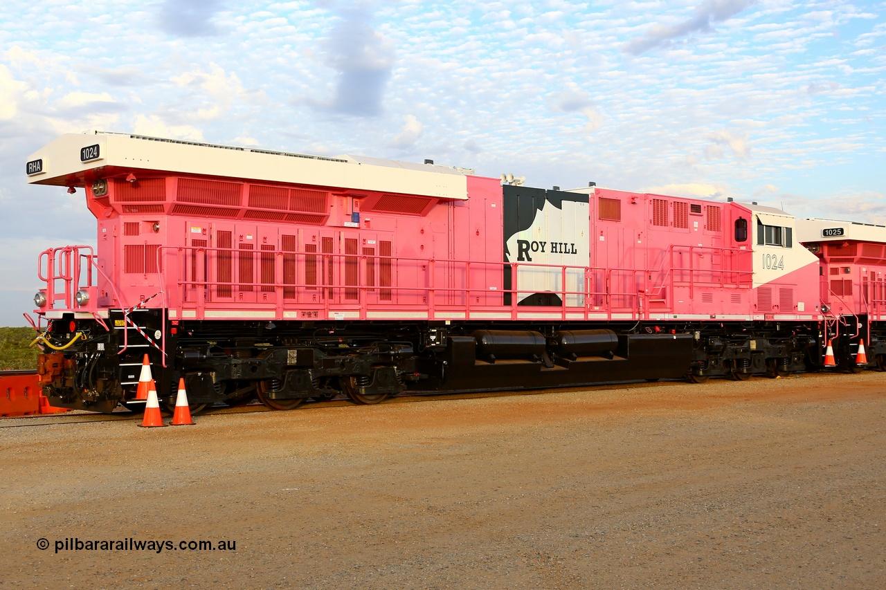 Roy Hill's RHA 1024 pink ES44ACi unit.