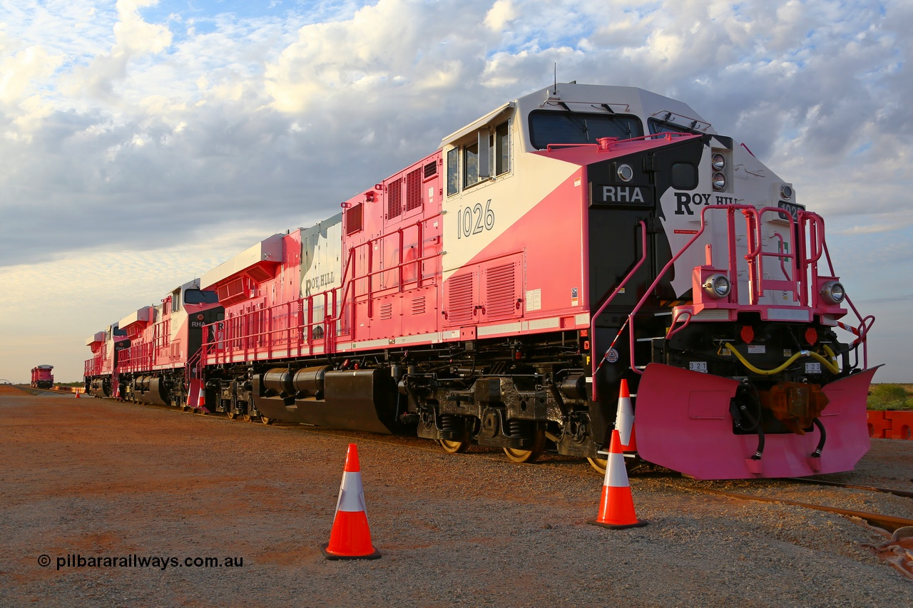 Roy Hill's new pink ES44ACi units.
